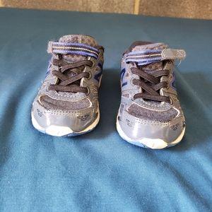 New Balance 680v3 Kids Size 6.5M Sneakers